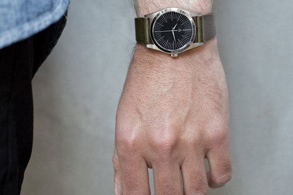 BWP_Sterling_Dial_black