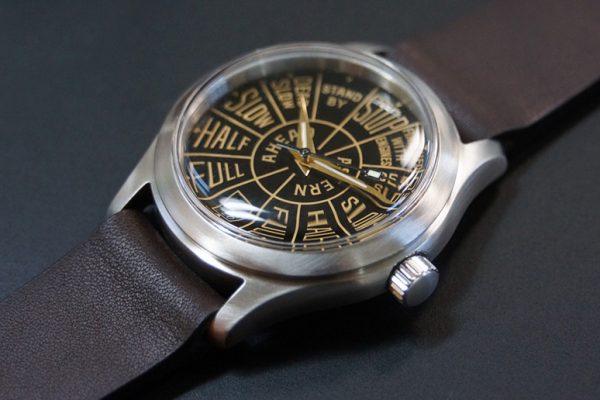 Midsize_Vintage_Nautica_Dial